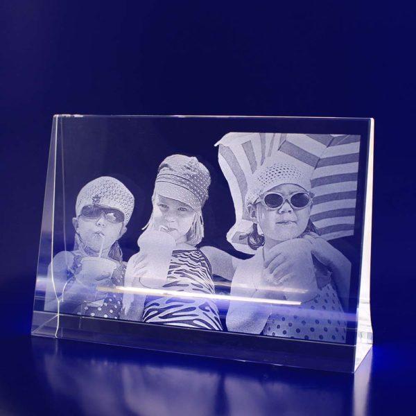 crystal portrait 2d horizontal frame