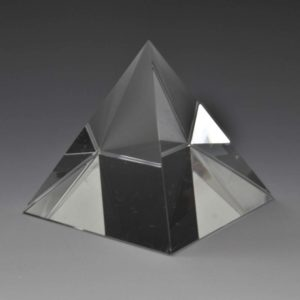 crystal-award-pyramid-crystal
